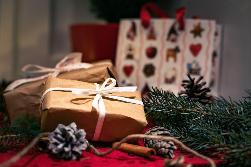 Ei se lahjojen saaminen vaan antaminen ja paketoimisen riemu.