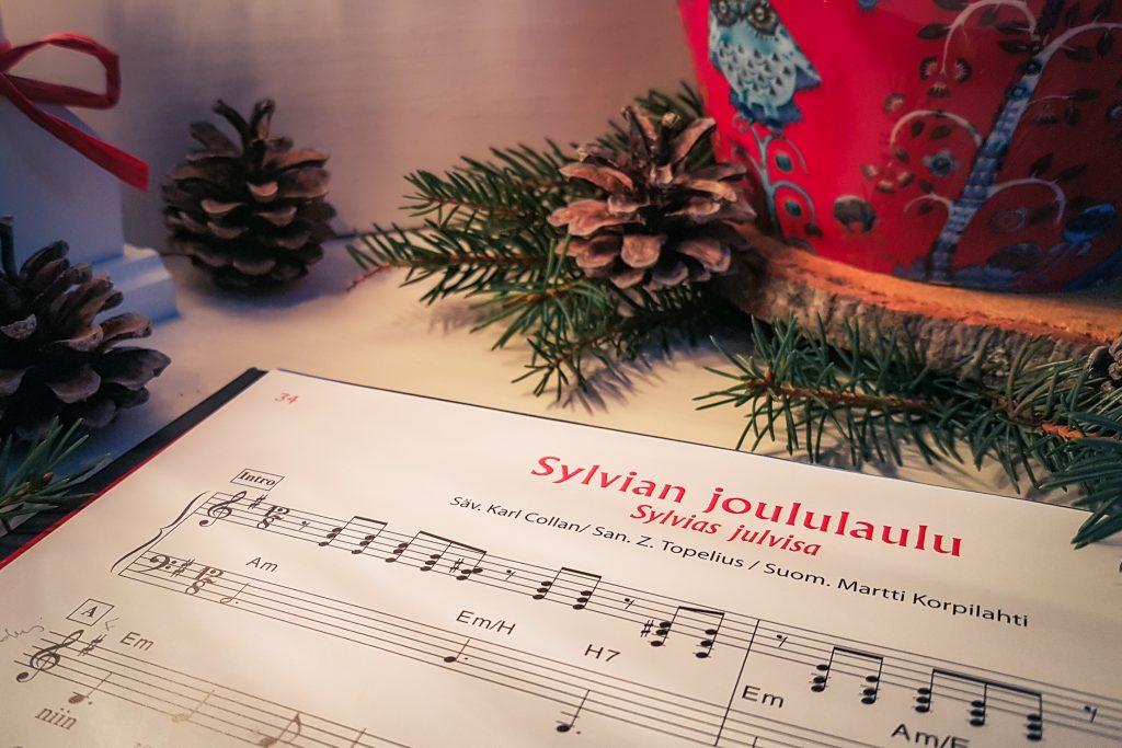 Joululauluja aletaan laulaa jo syksyn aikana.