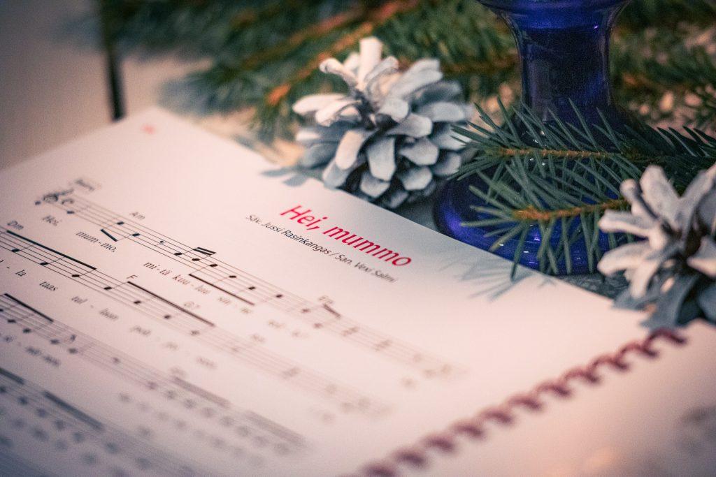 Joululaulu hei mummo joululaulukirjassa..