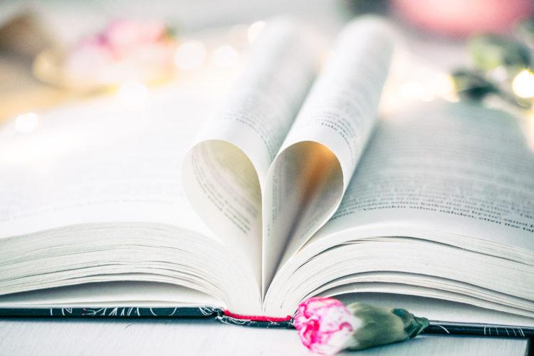 Bookstagram tyylinen kuva.