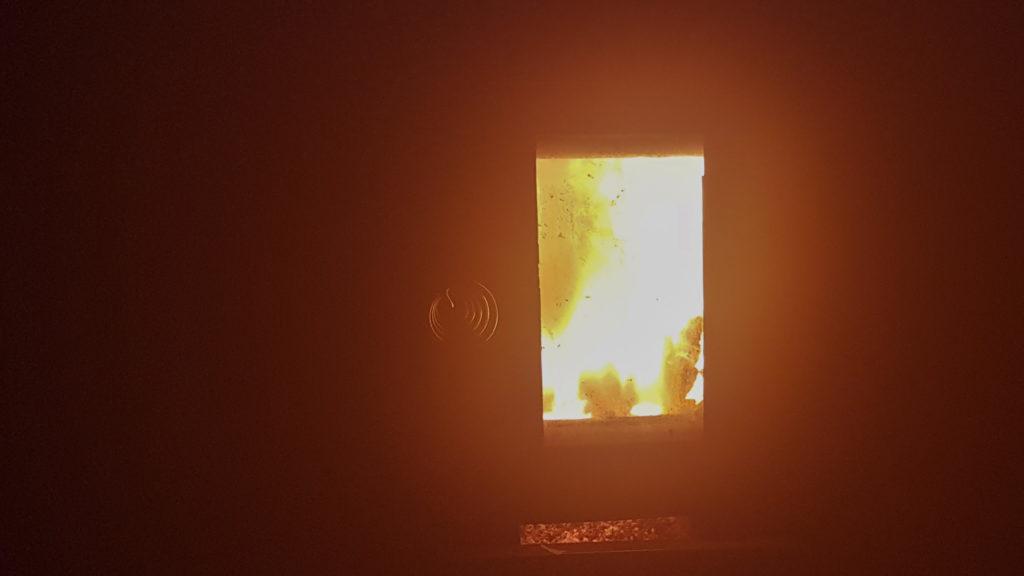 Puukiukaan tulen loimutus.