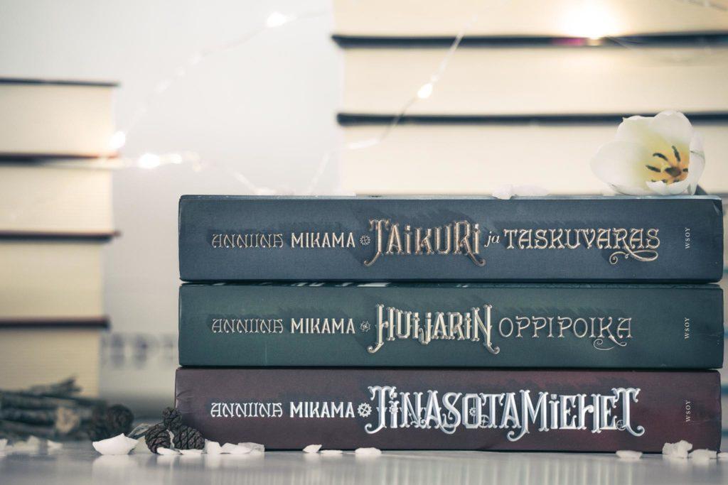 Taikuri ja taskuvaras_trilogia.