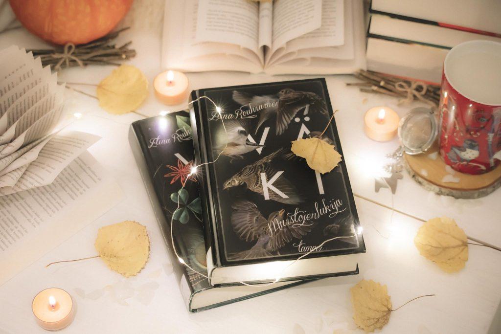 Syksyinen Bookstagram-kirjakuva.