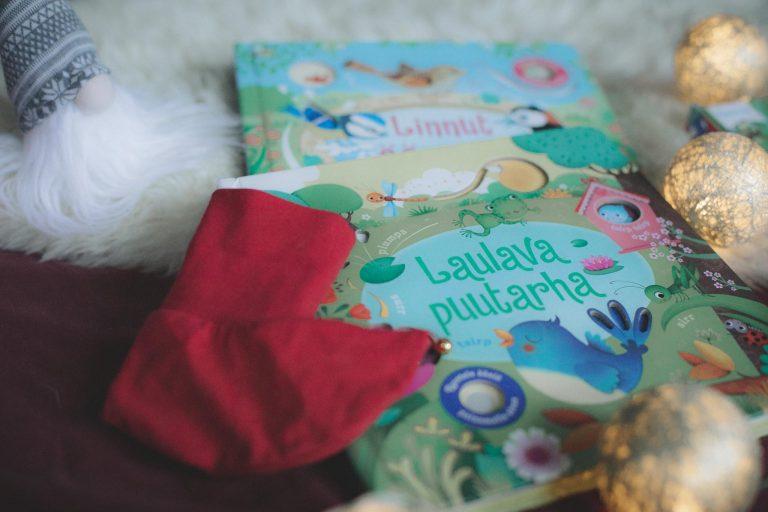 Laulava puutarha kirja joululahja vinkiksi.
