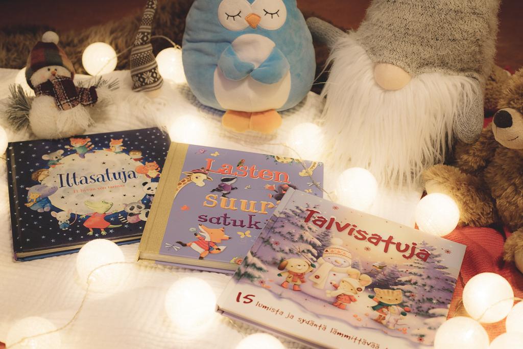 Iltasatu suosikkikirjat joululahja vinkiksi.