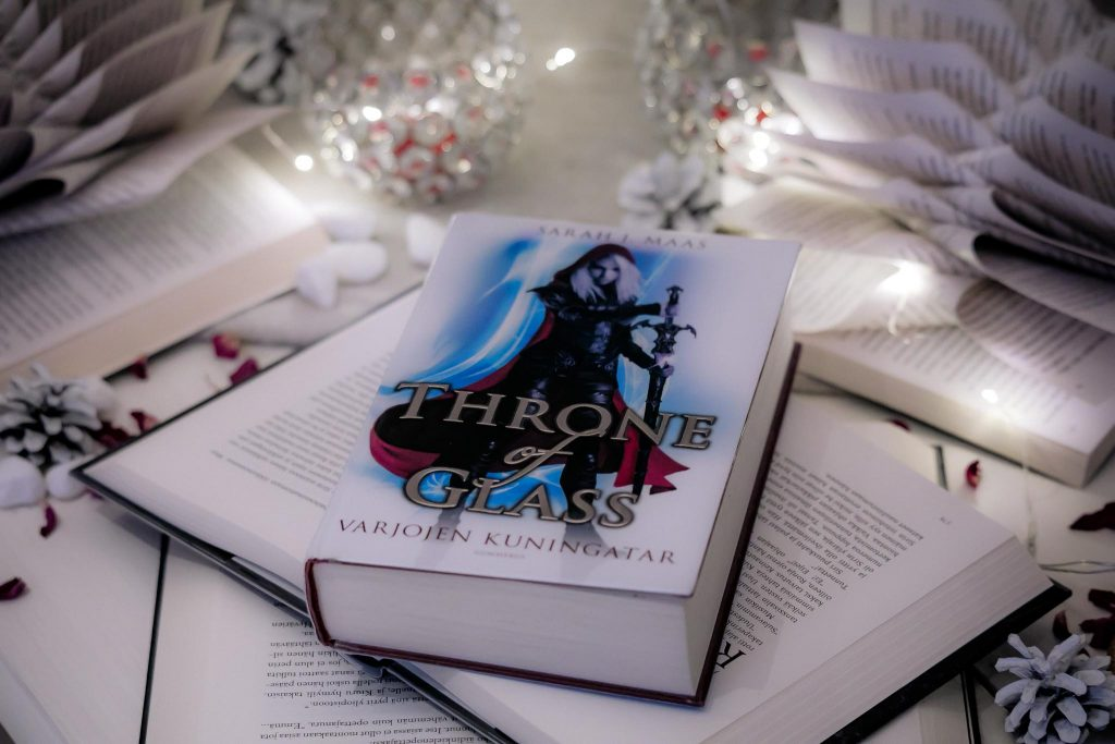 Throne of Glass -kirjasarja.