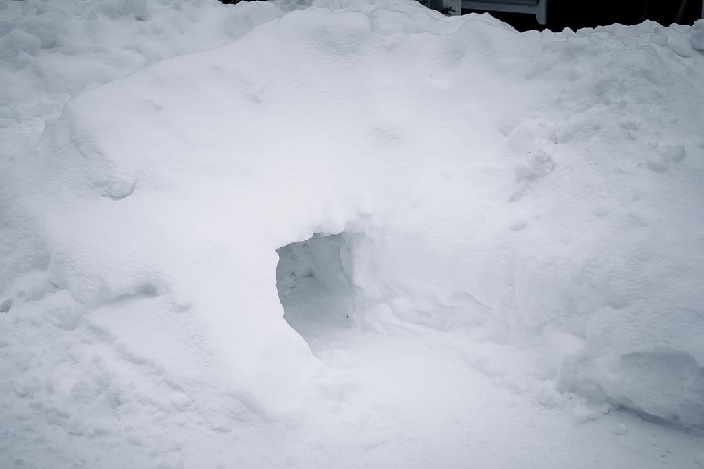 Lumitunneli lumilinnassa.