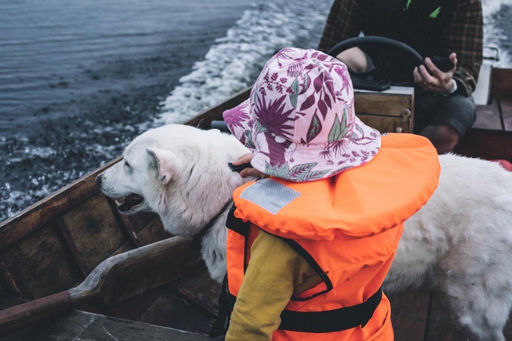 Typyn kanssa veneessä.