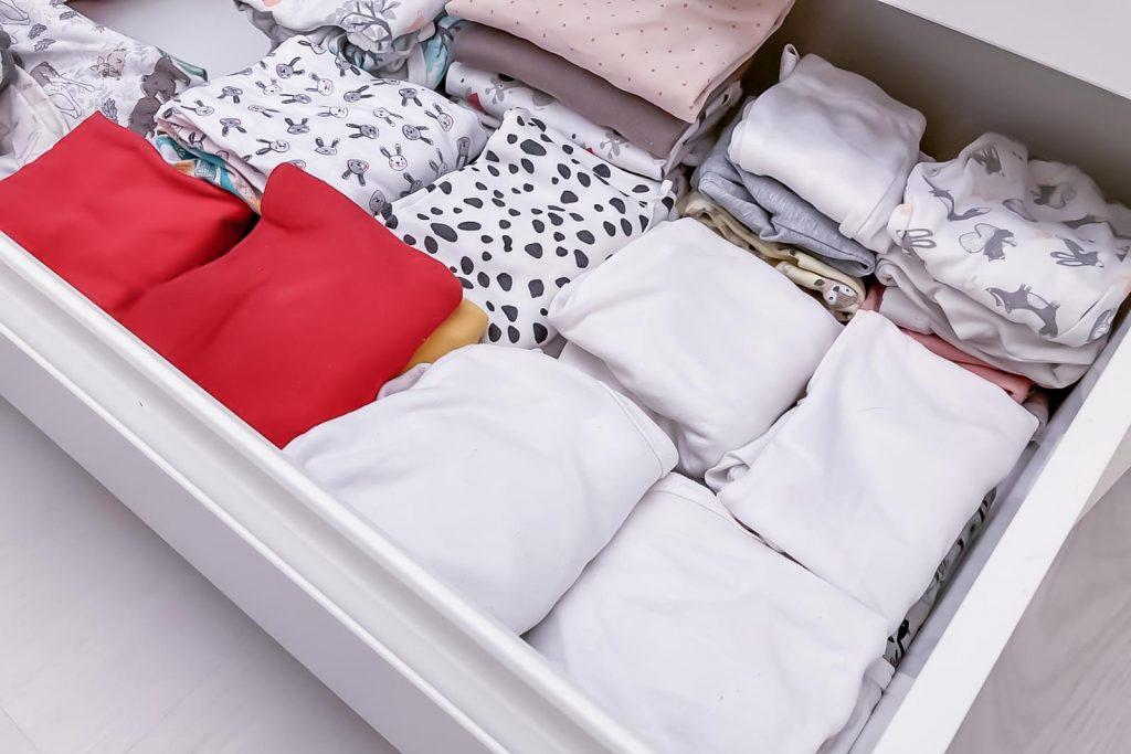 Loppuraskaus, vaatteiden laittelu.